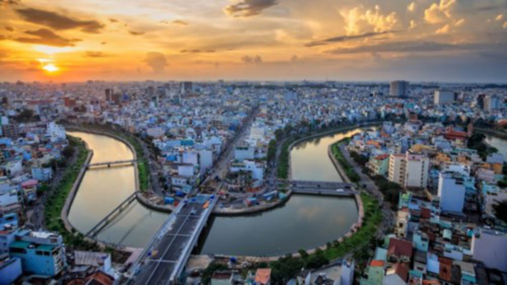 """""""TP Hồ Chí Minh ở miền Nam Việt Nam ngày càng hấp dẫn du khách nước ngoài"""", tạp chí du lịch Lonely Planet viết, khi xếp thành phố này ở vị trí thứ 3 trong danh sách 10 điểm đến hấp dẫn nhất châu Á năm 2018."""