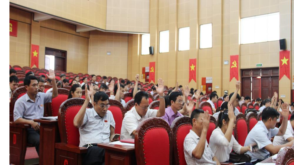 Kỳ họp thứ 7, HĐND huyện Lạng Giang: Biểu quyết thông qua 8 nghị quyết