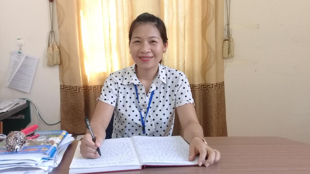 Đồng chí Hoàng Thị Hồng Vân: 10 năm gắn bó với công tác tuyên giáo cơ sở