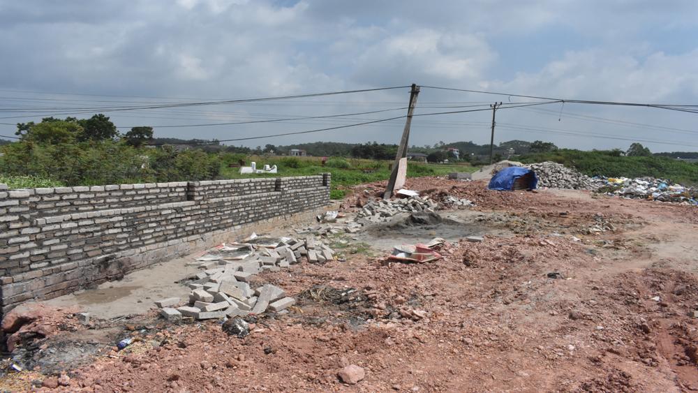 Xã Nhã Nam đầu tư 500 triệu đồng xây dựng khu chứa rác thải