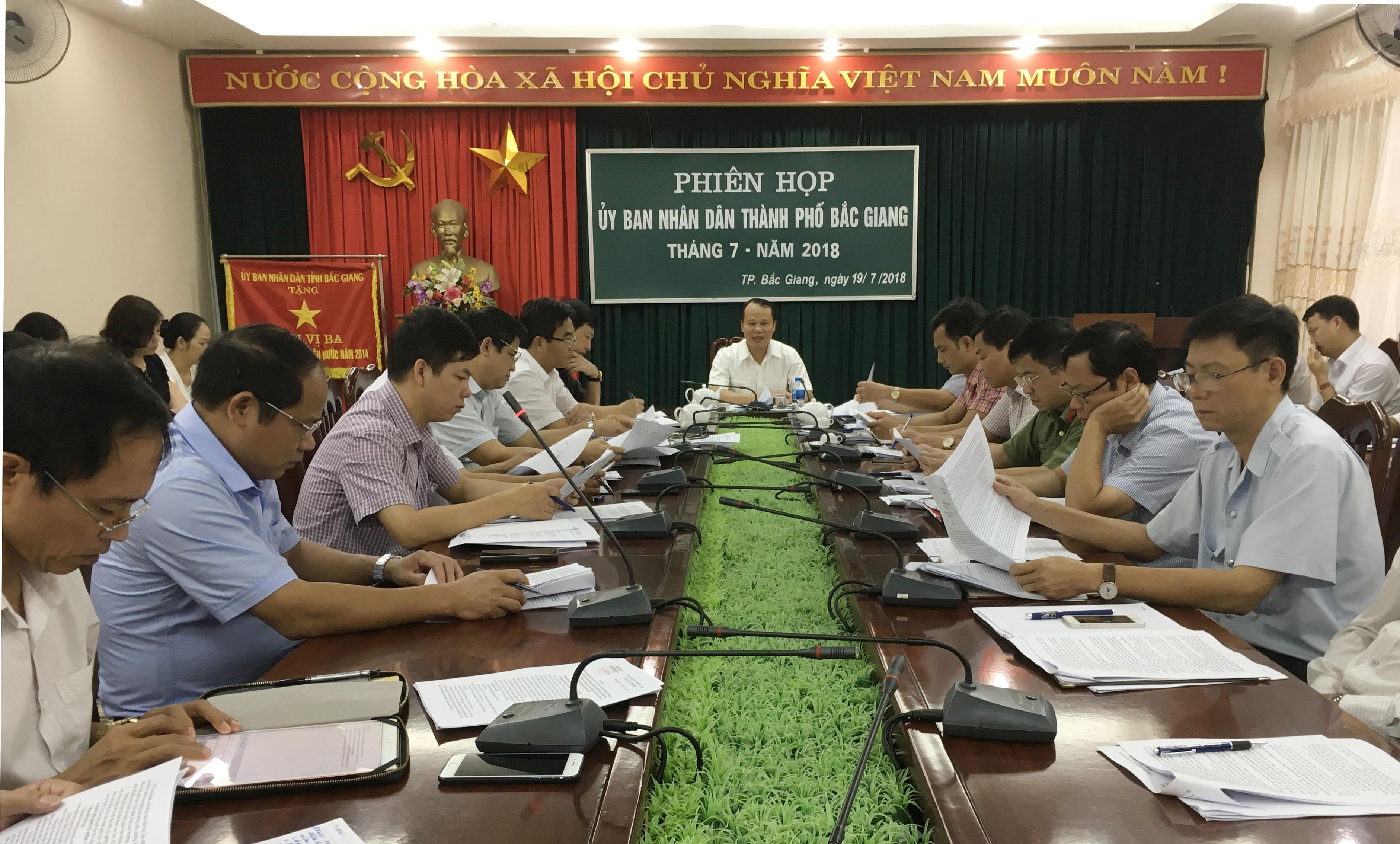 UBND TP Bắc Giang bàn giải pháp đổi mới dạy và học tiếng Anh