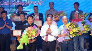 Winners of songwriting contest praising Dong Loc girls announced