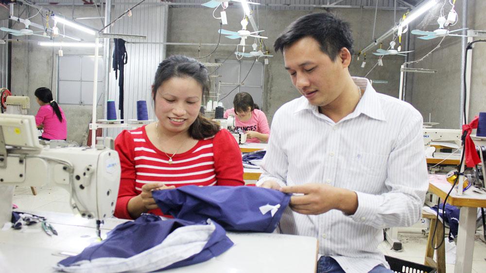 Yên Dũng: Chú trọng tạo nguồn kết nạp đảng