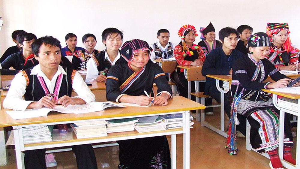 Hỗ trợ mua trang thiết bị dạy học cho 1.070 trường vùng đặc biệt khó khăn