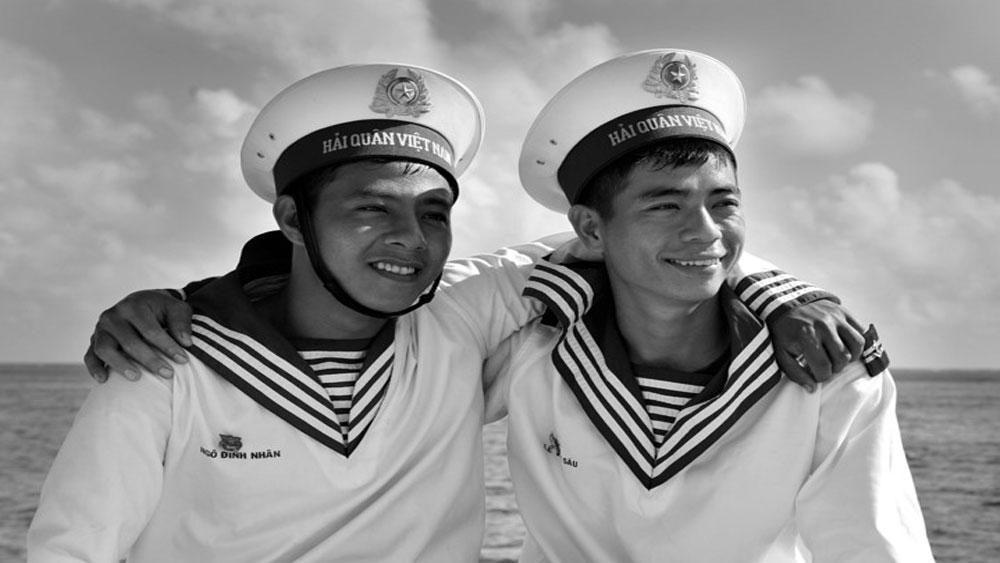 Triển lãm Trường Sa trong ta - Hội tụ tình yêu biển đảo