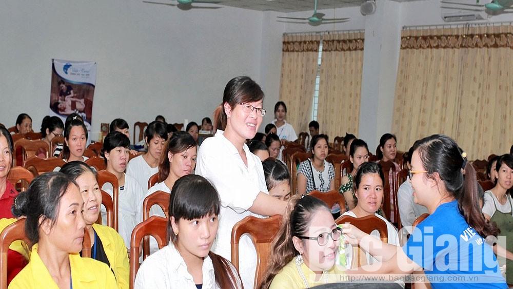 Các sản phụ tham gia lớp học tiền sản do Bệnh viện Sản - Nhi tỉnh Bắc Giang và Trung tâm chăm sóc sau sinhViệt - Care tổ chức.