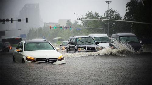 Tránh mua phải ô tô bị ngập nước