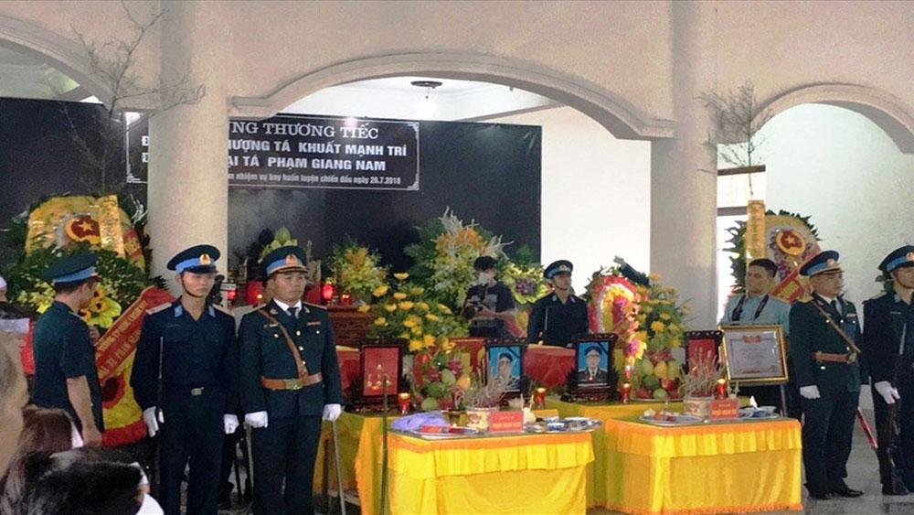 Đưa tiễn 2 sĩ quan phi công hy sinh tại Nghệ An về đất mẹ