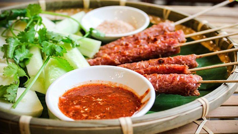 Vietnamese fermented pork roll (Nem chua)