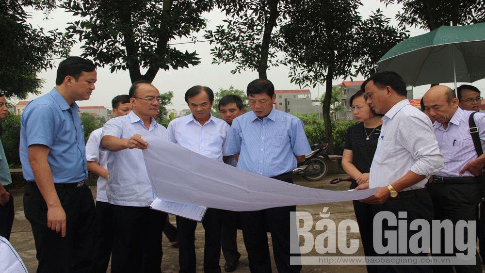 Hoàn thiện hạ tầng, bảo đảm đủ điều kiện giao đất cho nhân dân