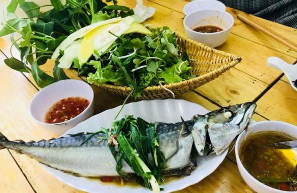 Da Nang's cuisine, popular dishes, unique cusine, unique bridges, interesting attractions, attractive destination, varied cuisine, Food Paradise