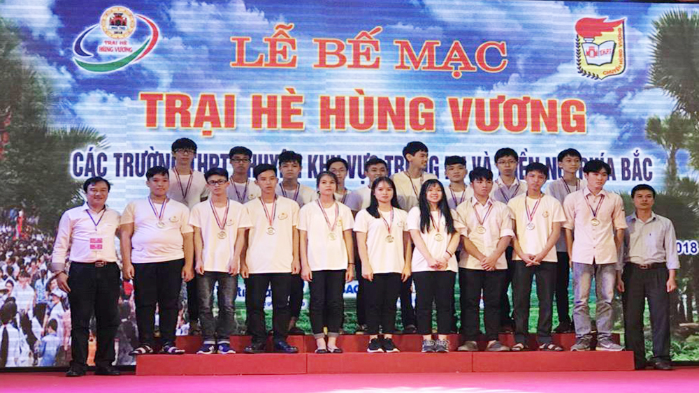 All candidates of Bac Giang High School for Gifted Students bag medals at Hung Vuong Summer Camp