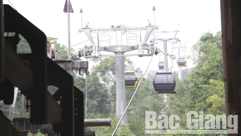 Tay Yen Tu's cable car system to be opened late this year