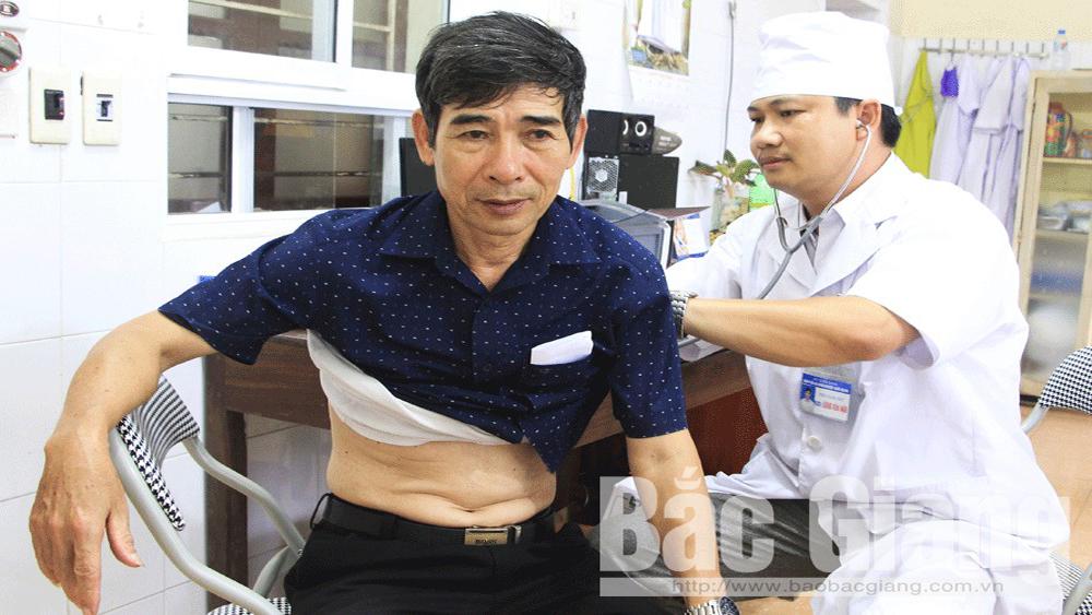 Bác sĩ Đặng Văn Hậu: Nhiều đóng góp vì sức khỏe cộng đồng