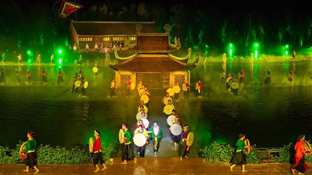 Quintessence of Tonkin, Vietnam Guinness Book, Tinh hoa Bac Bo, live entertainment show, largest water stage, peaceful landscapes, unique heritage