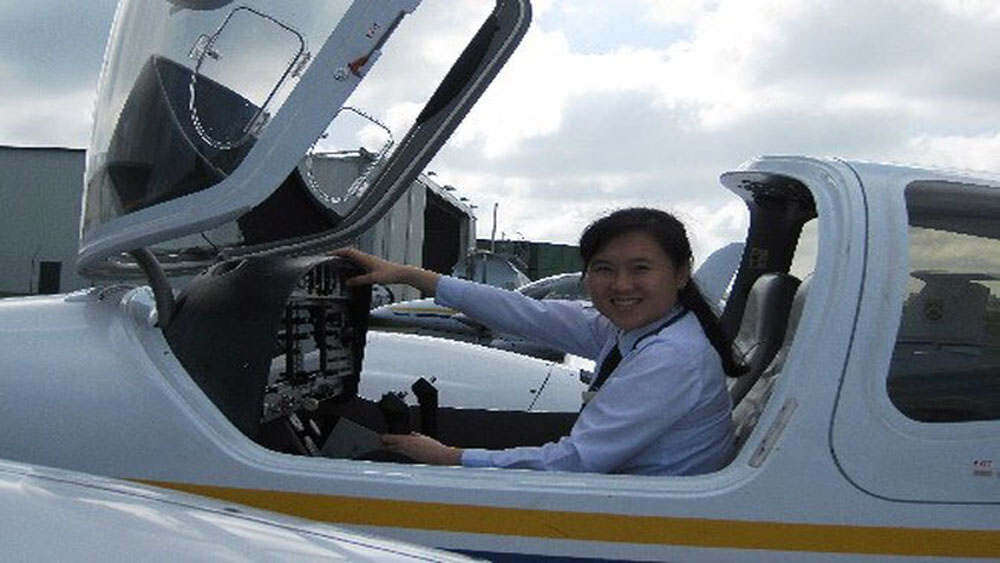 Second Vietnamese woman dons airline captain insignia
