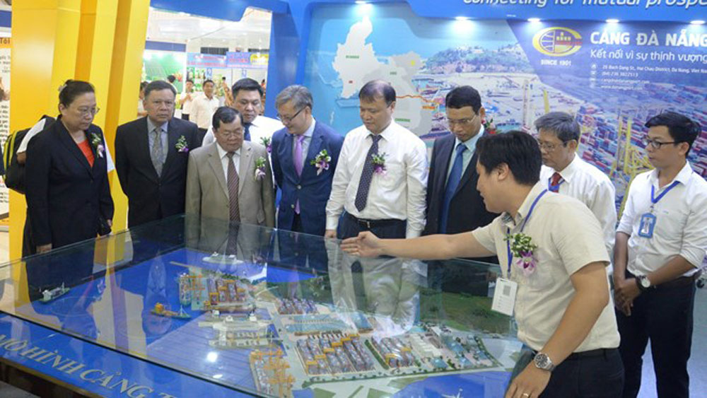 East-West Economic Corridor int'l fair opens in Da Nang