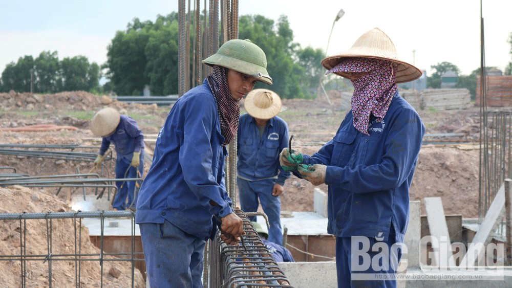 Bac Giang province, capital construction projects,  Bac Giang city, total investment,  several key projects, technical infrastructure, art performance, exhibition building, municipal authority,