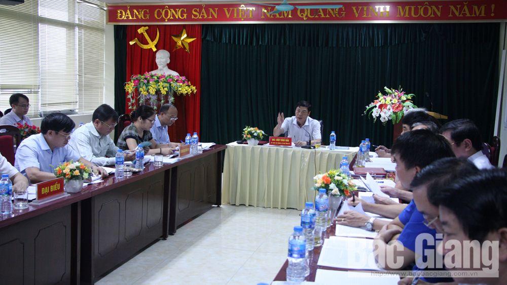 Bí thư Tỉnh ủy Bùi Văn Hải: Ưu tiên xây dựng cơ sở vật chất, tăng cường kỷ cương, nền nếp trường học