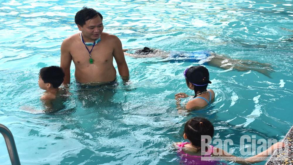 Dạy bơi miễn phí cho trẻ em, đuối nước, bể bơi, Bắc Giang, Tân Yên