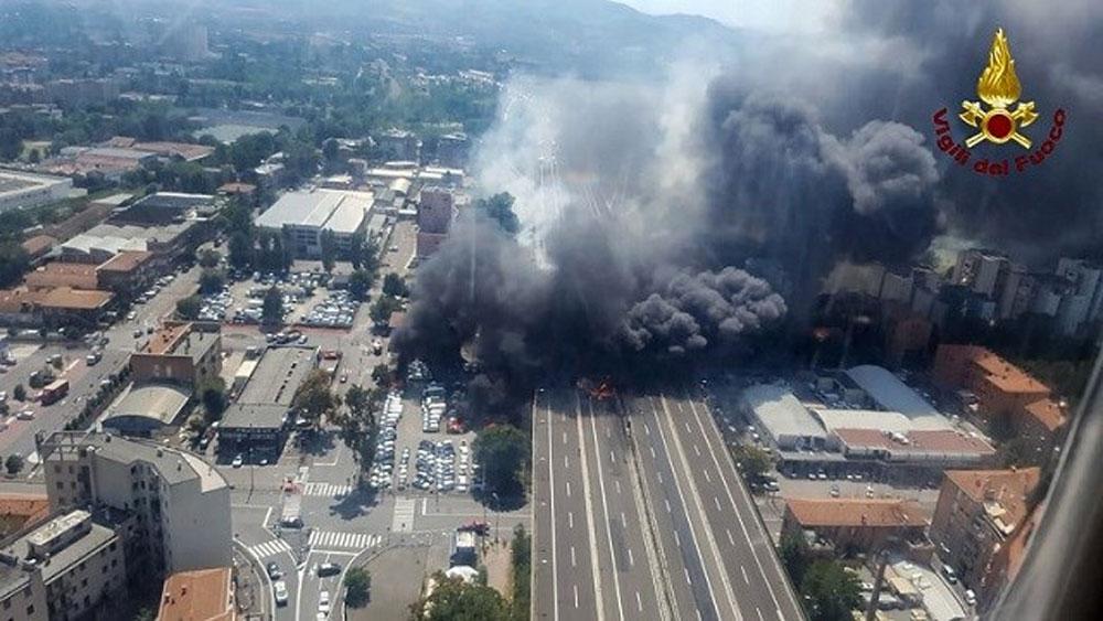 Hé lộ nguyên nhân vụ nổ xe nhiên liệu kinh hoàng ở Italia