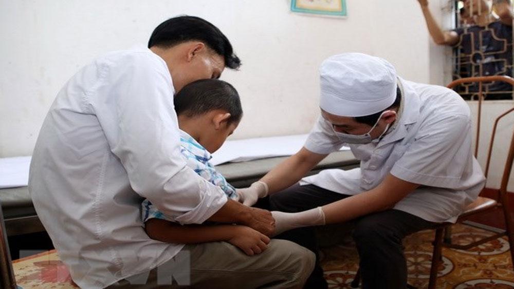 Hưng Yên truy tố y sĩ làm hơn 100 trẻ mắc bệnh sùi mào gà