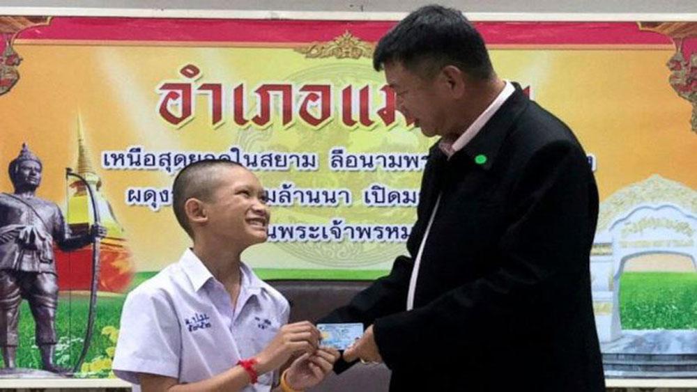 Thái Lan, cấp quốc tịch, 4 thành viên, đội bóng Lợn Hoang
