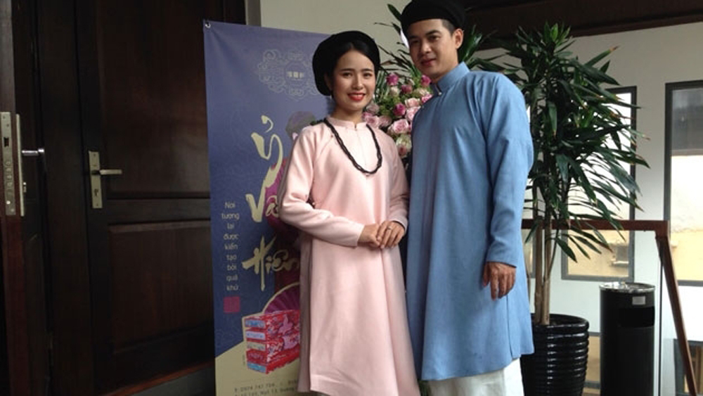 Ancient Ao dai show held in Hanoi