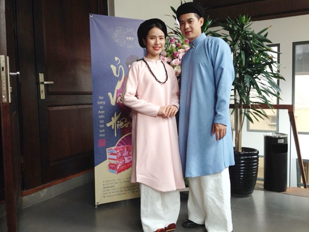 Ancient Ao dai,  traditional Vietnamese dress, Old Quarter, Culture Exchange Centre, young designers, ancient costumes, class of society
