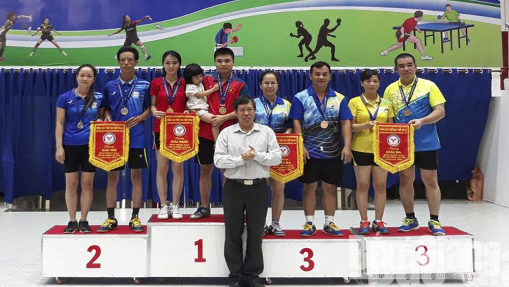 Bac Giang pockets 5 medals at national badminton, table tennis tournament for families
