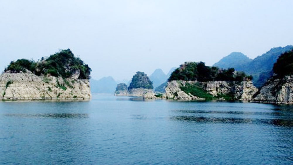Hoa Binh seeks to promote tourism development in upland areas