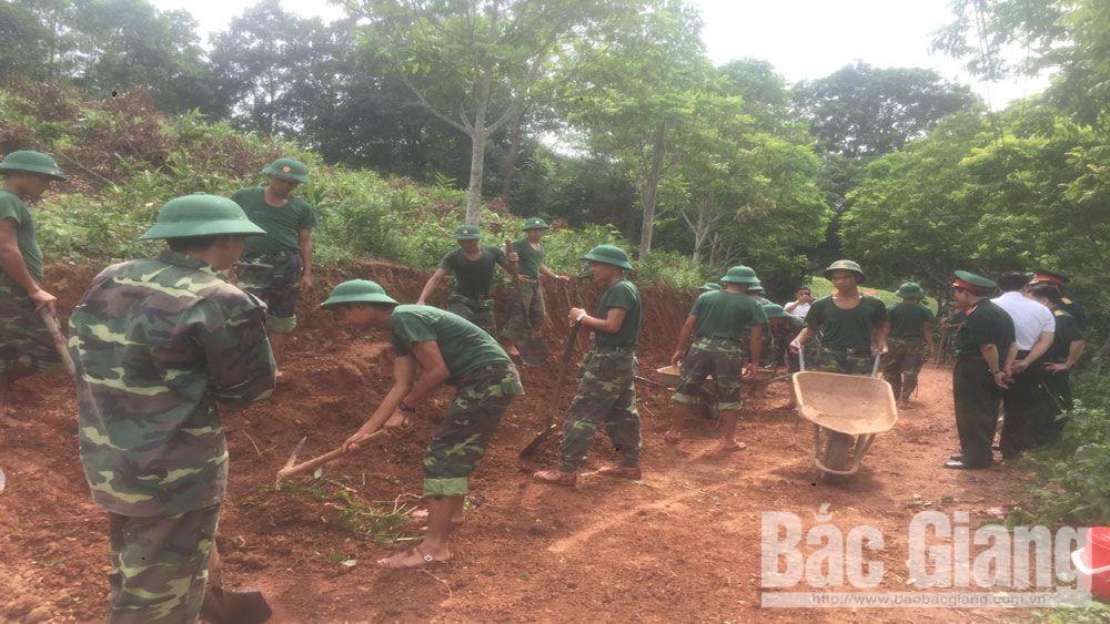 Một tháng dã ngoại làm công tác dân vận tại xã Hương Lạc