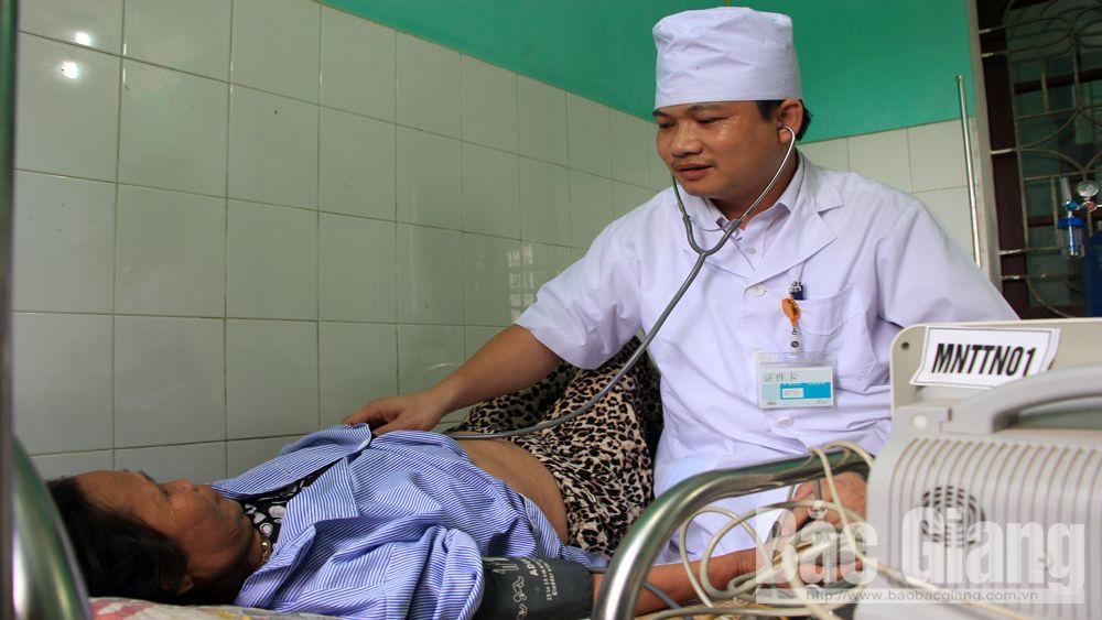 Ba bệnh viện được nâng lên hạng II