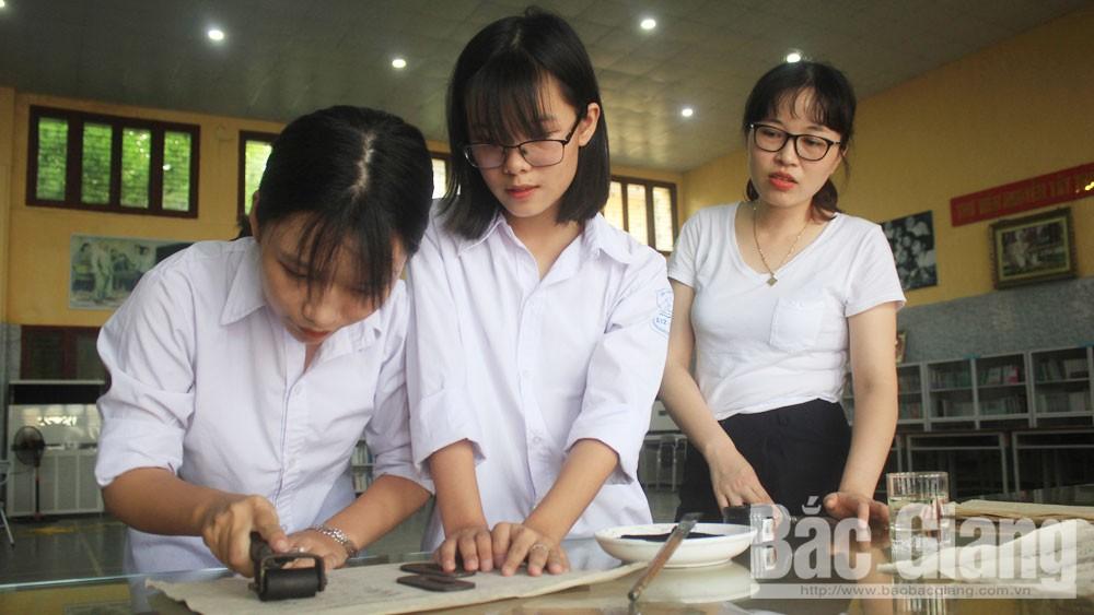 Trường THPT Ngô Sĩ Liên, TP Bắc Giang, Bắc Giang, sản phẩm du lịch, ý tưởng độc đáo, mộc bản