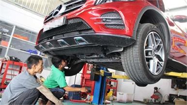 """""""Ống thở"""" vi sai giúp Mercedes GLC lội nước giá một triệu đồng"""