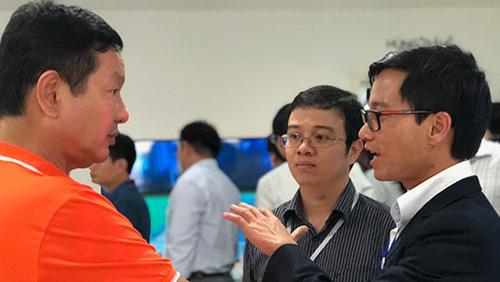 Người Việt trẻ hợp sức giải bài toán công nghệ của quốc gia