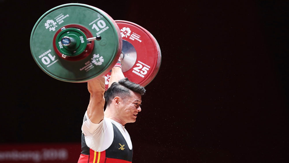 Top weightlifter brings home silver for Vietnam in 2018 Asian Games