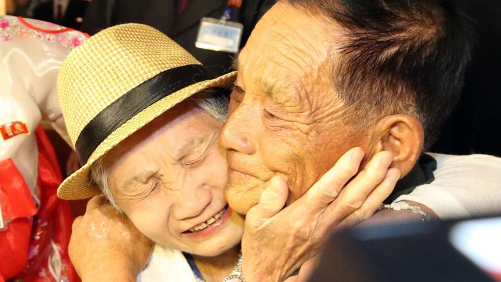 Đoàn tụ liên Triều 2018: Cuộc hội ngộ của những giọt nước mắt tràn niềm vui