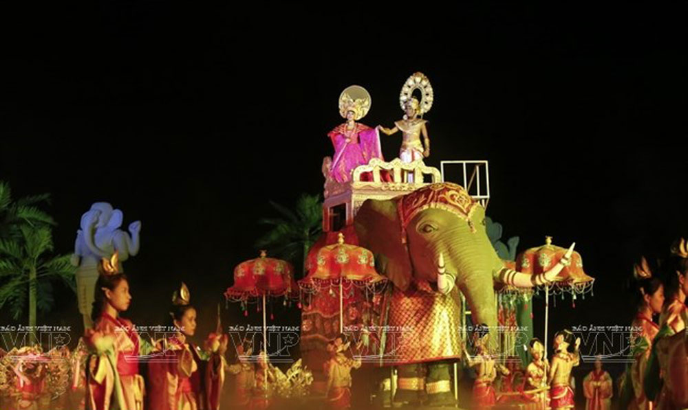 Hoi An Memories, largest outdoor show, visual arts show, arts performance, prosperous trading port,