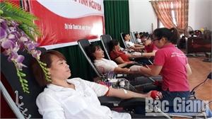 Tiếp nhận 598 đơn vị máu đạt tiêu chuẩn