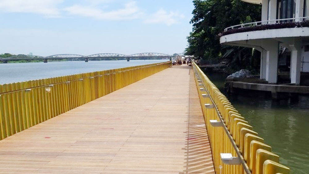 Hue to inaugurate pedestrian road along Perfume River in September