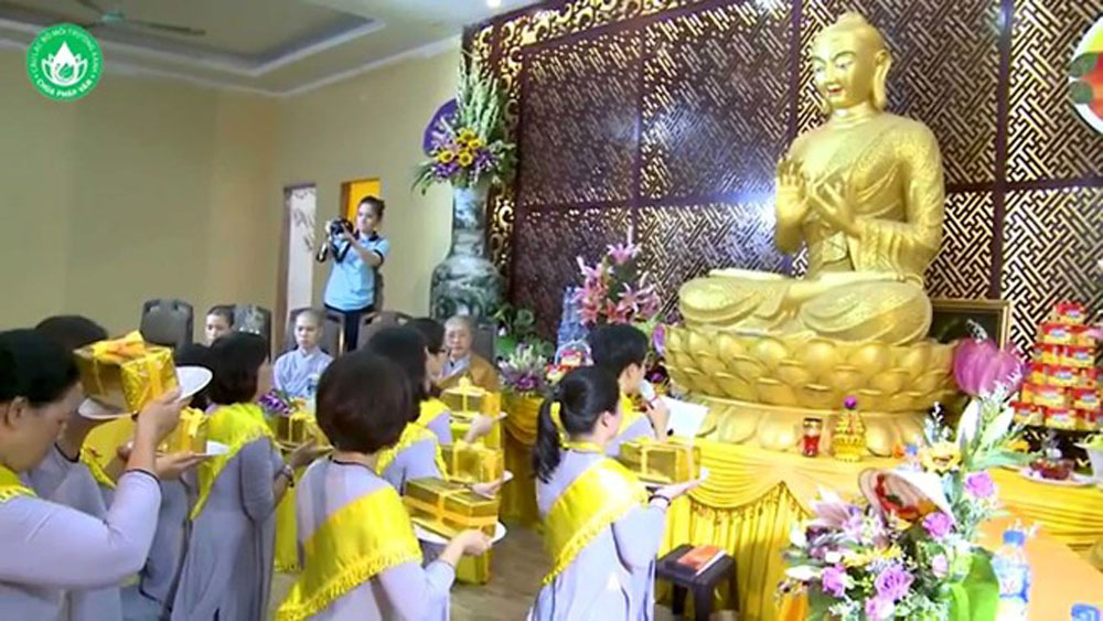 Buddhist festival, Vu Lan Festival, full swing, pagodas and worship places, parental love, Buddha's guidance, Buddhist monks, Vietnamese version, Mother's Day, long-lasting charms