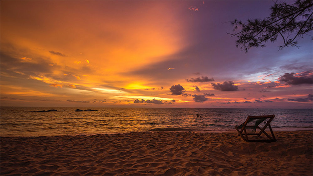 When sunsets are the rage, Phu Quoc in Vietnam goes raging, raging