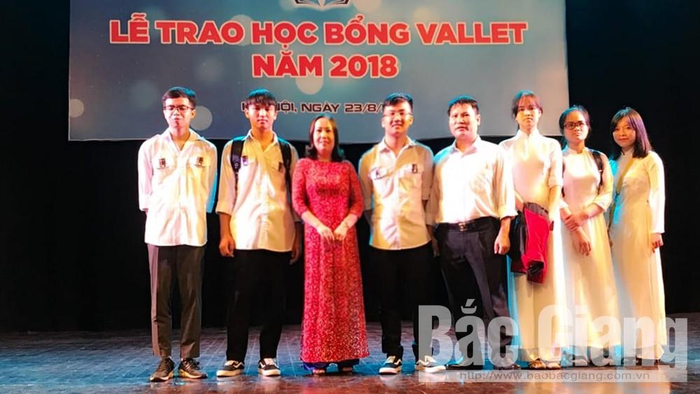 Bắc Giang có 9 học sinh được nhận học bổng Vallet năm 2018