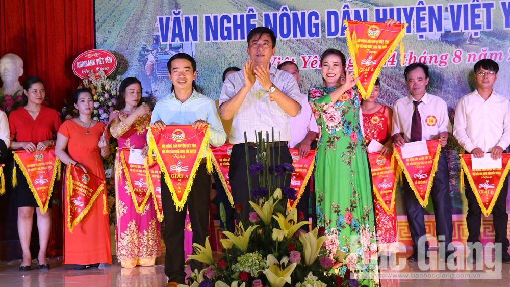 Hội diễn văn nghệ nông dân chào mừng Quốc khánh
