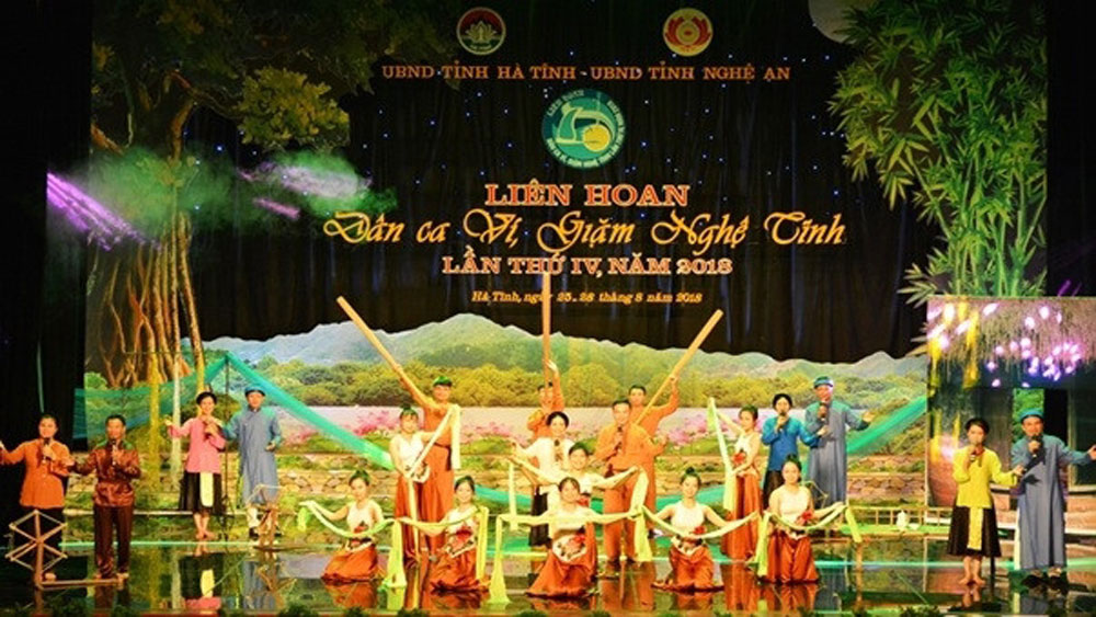 Folk singing festival opens in Ha Tinh