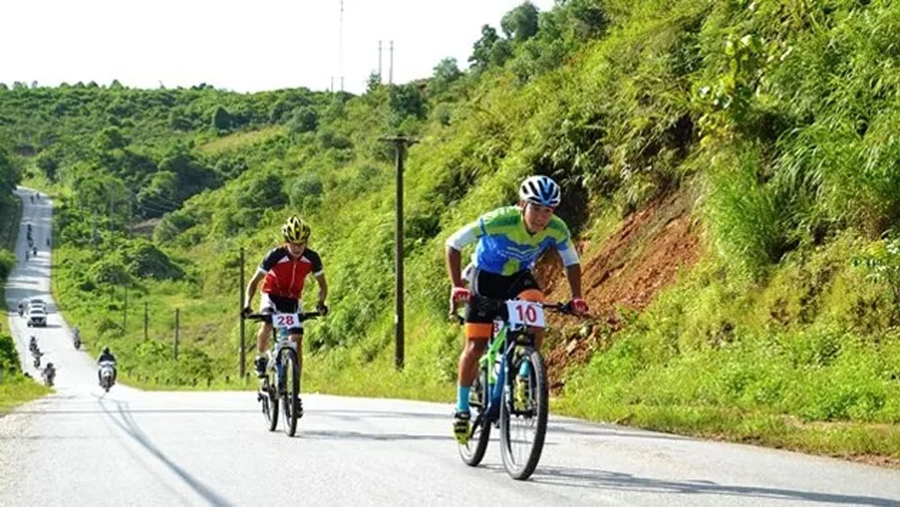 Over 110 cyclists joins in mountain bike race exploring Lung Po