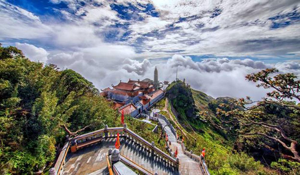 Fansipan, charming rice season, Fansipan landscape, stunning natural painting, wonderful green rice,  green carpet