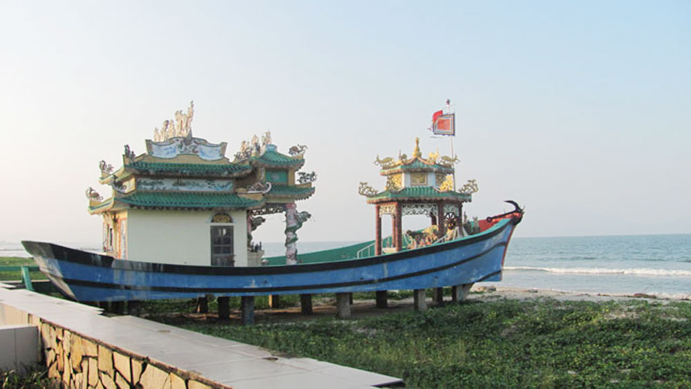 Whale worshippers: Residents build boat-shaped shrine in central Vietnam