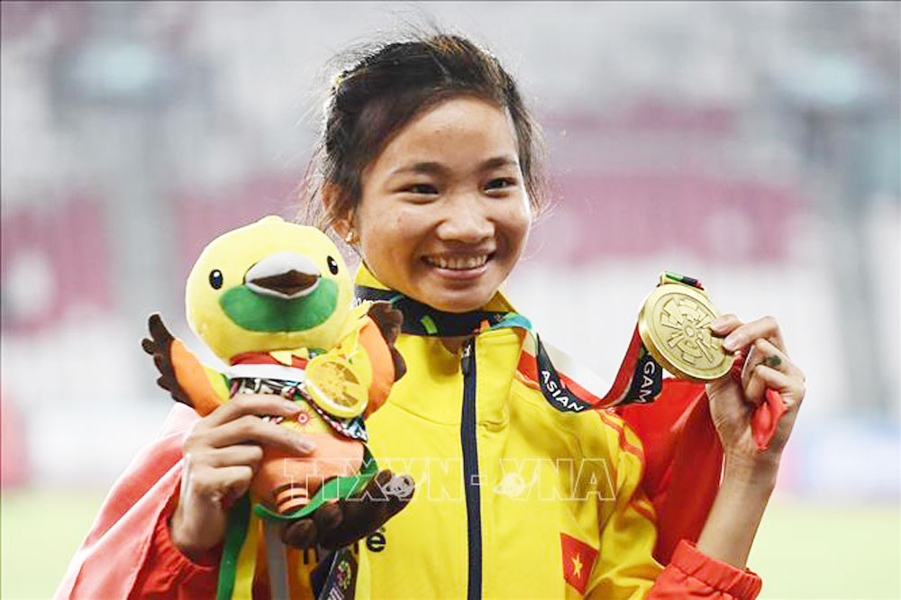 Nguyen Thi Oanh, bronze medal, ASIAD 2018, Bac Giang province, women's 3,000m hurdles, ongoing Asian Games 2018, strong rivals, highest achievement, new record, track and field team